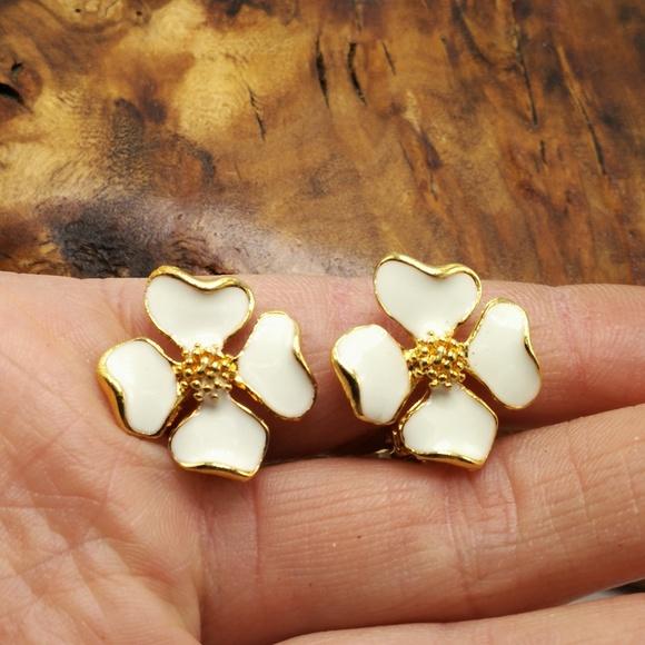 Vintage Jewelry - Vintage minimal magnolia cherry blossom enamel